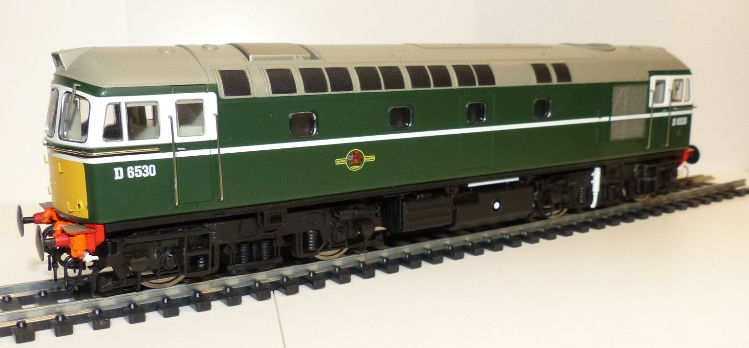 Heljan 34131 br class 33 green with small yellow warning panel early